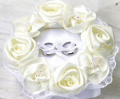 リングピロー〔ホワイトローズ〕手作りキット|巻きバラの飾りつけ|結婚式演出の手作りアイテム専門店B.G.