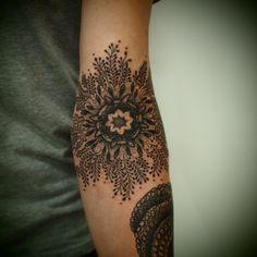 i really like tattoos like this