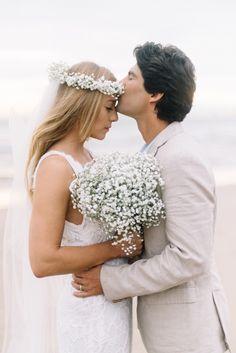 Quem compartilha conosco hoje a história de amor e os detalhes do casamento é o noivo. Gostamos tanto quando isso acontece! A Emilly e o Bruno se conheceram no Farol de Santa Marta, litoral de Santa Catarina há 10 anos. O Bruno é carioca e sempre ...
