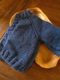 Project Log: Baby coffee bean cardigan / The perfect raglan sleeve top-down cardigan / www.milk-shed.com