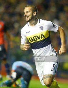 Dario Benedetto of Boca Juniors celebrates after scoring the first goal of his team during a match between Boca Juniors and Arsenal as part of Torneo Primera Division 2016/17 at Alberto J. Armando Stadium on April 30, 2017 in Buenos Aires, Argentina.