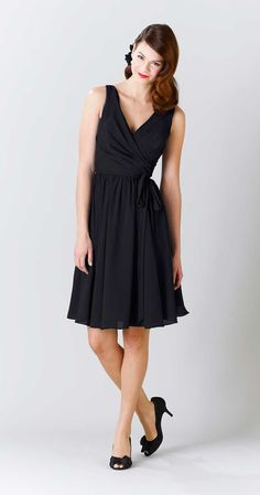Kennedy Blue Chloe is a lovely knee length crinkle chiffon V-neck bridesmaid dress that will flatter any figure.
