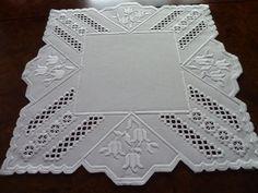 Hardanger table linen
