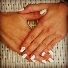 Kalli's blog: Μικρά μυστικά για τα νύχια, της Μάιρας Σαμαρά