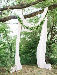 Beautiful Wedding Reception Decoration Ideas - Put the Ring on It Wedding Altars, Tree Wedding, Farm Wedding, Diy Wedding, Rustic Wedding, Wedding Ceremony, Wedding Ideas, Outdoor Wedding Decorations, Ceremony Decorations