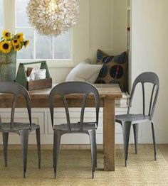 Love-Lee Homemaker: Banquette Seating