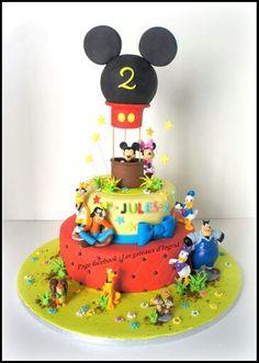 """Mickey cake. Cree par : """" Les gateaux d Ingrid """" ( facebook"""