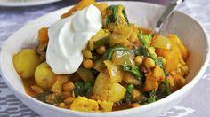 Würziges Gemüseallerlei: Curry aus Gemüse | http://eatsmarter.de/rezepte/curry-aus-gemuese