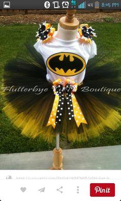 Batgirl costume ~ plus other cute tutu outfits.i was thinking MU outfit just change the top. Batman Tutu, Batman Party, Superhero Party, Baby Batman, Tutu Costumes, Cute Halloween Costumes, Halloween Crafts, Costume Ideas, Halloween Ideas