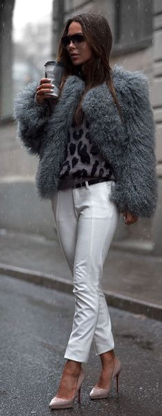 Grey Faux Fur Coat + Grey Leopard Print Top + White Skinny Jeans  + Pink heels