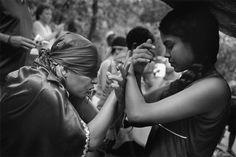 Venezuela. State of Yaracuy. Sorte mountain. Maria Lionza cult. The farewell to Erika the Viking. 2004.- Cristina García Rodero
