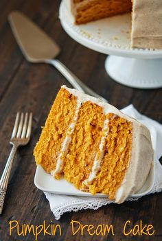 Pumpkin Dream Cake with Cinnamon Maple Cream Cheese Frosting and tons of dessert recipes! Fall Desserts, Just Desserts, Dessert Recipes, Frosting Recipes, Dessert Ideas, Baking Recipes, Dinner Recipes, Think Food, Love Food