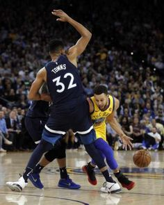 Warriors Topple Timberwolves; Oakland California 1/25/18 #KevinDurant led Warriors with 28 points, 11 assists,10 rebounds to record a triple-double. #StephenCurry and Klay Thompson scored 25 points apiece, combining for for 12 three pointers. With the win, Golden State improves to 39-10. PHOTO CREDIT SFGATE MERCURY NEWS USATODAY