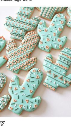cutest cactus cookies in the world. cutest cactus cookies in the world. Fancy Cookies, Iced Cookies, Cute Cookies, Royal Icing Cookies, Cupcake Cookies, Royal Icing Decorated Cookies, Iced Biscuits, Cookies Et Biscuits, Cactus Cake