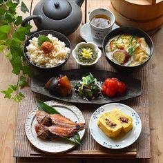 B Food, Food Menu, Food Porn, Sushi Recipes, Asian Recipes, Real Food Recipes, Japanese Breakfast Traditional, Japanese Food, Asian Snacks