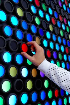 Interactive Touch Screen, Interactive Walls, Interactive Display, Interactive Design, Reading Nook, Creative Studio, Be Yourself Quotes, Light Up, Diy And Crafts