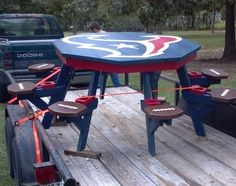 Texans Table w/ stool chairs