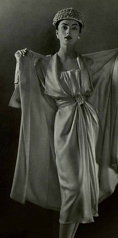 1957 Jeanne Lanvin (CastIllo) I'm going to try and draw this