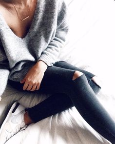Fine jewellery, grey knits and sneakers. Fit Girl style on point. #figirlcode #fashion #sneakers #inspiration