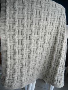 Aujourd'hui je vous propose un très joli modèle créé par la blogueuseAnne tricote. Anne m'a gentiment offert de le mettre sur mon blogue. Je suis certaine qu'il plairaaux tricot…