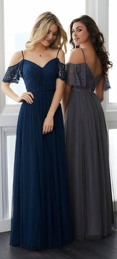 Awesome 46 Simple And Elegant Long Bridesmaid Dresses Ideas For Your Best Bridesmaid. More at https://trendfashioner.com/2018/05/28/46-simple-and-elegant-long-bridesmaid-dresses-ideas-for-your-best-bridesmaid/