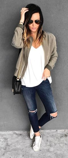 cool casual style: bomber + top + rips