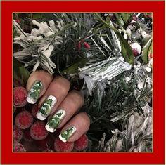 Holiday inspired tree DIY nail art design!
