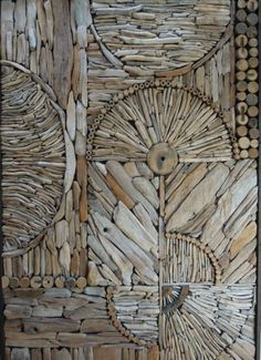 Love this picture of a nice driftwood mosaic/pattern by Kathy Killip, interesting idea for a wall decoration! More information: Kathy Killip website !… Love this picture of a nice driftwood mosaic/pattern by Kathy Driftwood Sculpture, Driftwood Art, Driftwood Furniture, Driftwood Flooring, Driftwood Projects, Driftwood Ideas, Pattern And Decoration, Decoration Crafts, Mosaic Patterns