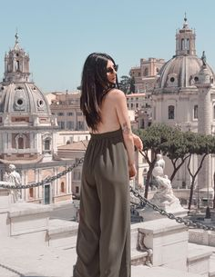 woman in gray dress standing outdoor during daytime There's a power struggle going on across Europe these days. White Sleeveless Dress, Gray Dress, Black Suit Jacket, Desert Fashion, Dress Stand, Tube Dress, Fashion Pictures, Wearing Black, Gradient Color