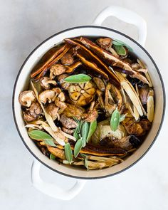 Bone broth is traditionally used to support the immune system during times of illness and recovery.  But it's not the only food that people turn to for a little added support.  Rather, medicinal mushrooms like reishi, shiitake and chaga, can also act as powerful allies to help support you during times of stress or when your immune system needs a little extra assistance.   #bonebroth #medicinalmushrooms #holisticnutrition