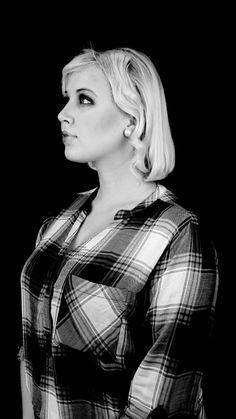 1920 Carolin boende i New York, ungvuxen. Självständig kvinna som jobbar hårt. Jornalist under dagen och sångare på kvällen. En kvinna med glöden i ögat, pasionerad i sitt arbete. En kvinna med drömmar!  Modell: Emma Gustavsson Staylist: Johanna Granath