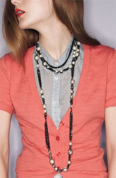 I love this whole outfit. Definitely going to try and make long necklaces.