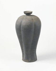 Melon-shaped Earthware (Maebyeong) (Vase) | V&A Search the Collections
