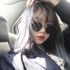 "12.8 mil curtidas, 23 comentários - 최희주 (@choiheechu) no Instagram: ""#페이크미 #이퀄다이아몬드 #붙임머리"""