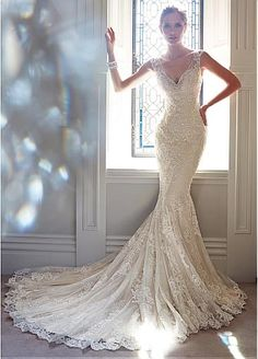 Glamorous Tulle V-neck Neckline Natural Waistline Mermaid Wedding Dress With Lace Appliques