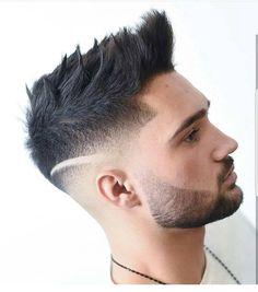 Men's Medium Hairstyles with stylish & Cute Beard for 2019 – Men's Hairstyles and Beard Models Classic Mens Hairstyles, Mens Hairstyles 2018, Cool Mens Haircuts, Cool Hairstyles For Men, Popular Haircuts, Summer Hairstyles, Men's Hairstyles, Medium Hair Styles, Short Hair Styles