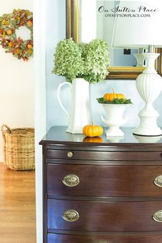 Fall Entry Decor | Sometimes Simple is Best | Just a few simple touches is all you need to welcome fall to a small entry. See them here!