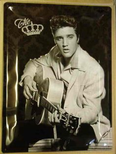 Framed Print – Elvis Presley with Guitar (Picture Poster Rock and Roll Singer) Lisa Marie Presley, Priscilla Presley, Musica Elvis Presley, Elvis Presley Photos, Rock And Roll, Marlon Brando, Pete Wentz, Michael Buble, Steve Mcqueen