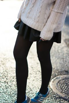 Black leather mini skirt and white cable knit sweater. Via Know your rights Brown Tights, Black Tights, Black Leggings, Hot Outfits, Fall Outfits, Casual Outfits, Teen Fashion, Korean Fashion, Fashion Outfits