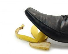 Lucidare le scarpe con una buccia di banana