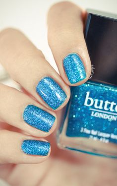 sparkly blue nails