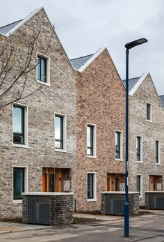 Image 30 of 37 from gallery of Marmalade Lane Cohousing Development / Mole Architects. Photograph by David Butler Brick Architecture, Sustainable Architecture, Sustainable Design, Residential Architecture, Pavilion Architecture, Contemporary Architecture, Landscape Architecture, Co Housing, Community Housing