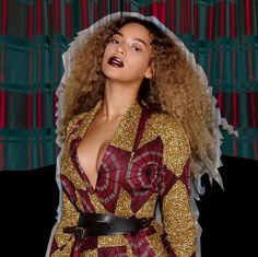 Beyoncé is inspired by African Fashion :) She is wearing a Demestyk New York Outfit by @reuel_reuel  More images here: www.frolicious.de  #beyonce #frolicious #froliciousbeauty
