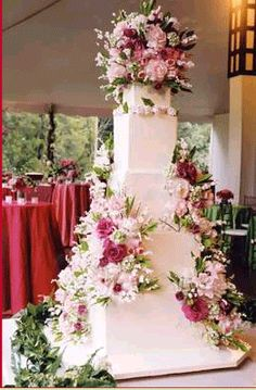 Another fabulous wedding cake by Silvia Weinstock