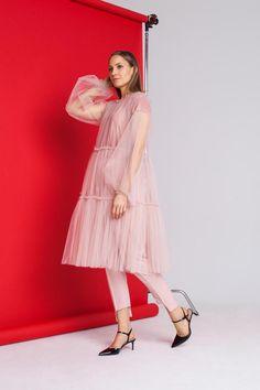 Pink Midi Dress, Sheer Dress, Tulle Dress, Casual Dresses, Fashion Dresses, Fashion Styles, Transparent Dress, Transparent Clothes, Minimal Dress