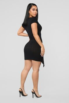 Pretty Short Dresses, Sexy Dresses, Fashion Dresses, Tie Dress, Wrap Dress, Fashion Nova Models, Voluptuous Women, Beautiful Legs, Marie