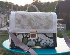 Sac Quadrille en simili blanc et tissus à motifs cousu par Edith - Patron Sacôtin