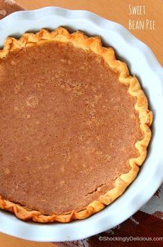Beans in your dessert? YES! Sweet Bean Pie | Bean Pie Dessert Recipe | ShockinglyDelicious.com #SundaySupper