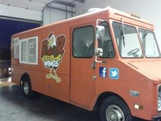 """R & R Extreme Wings is serving the streets of Indianapolis. They are the """"Wing Kings"""" with a mobile food truck! Serving up chicken wings with various house made sauces such as the Sweet and Spicy, Honey BBQ, Mild Buffalo, Sweet Mustard, R & R Extreme Special Sauce, Spicy Garlic sauce, and Hot Habanero wings, get the breaded or sauced up! """"You'll be licking your fingers in no time!  #Ifta #foodtruck #indy"""