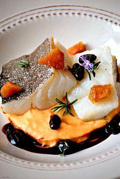 Bacalao confitado con crema de boniato, membrillo y reducción de oporto / Chez Silvia
